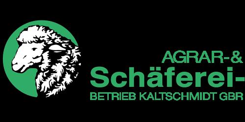 """Der Agrar- & Schäfereibetrieb Kaltschmidt wurde am 16.12.1991 durch Wilfried Kaltschmidt ins Leben gerufen. Heute beträgt die landwirtschaftliche Nutzfläche bereits 1050 Hektar, und die Anzahl der ökologisch gehaltenen Mutterschafe 950 Stück. Wir sind ein Öko-Hof.  Jedes Jahr unterzieht sich unser Unternehmen einer umfangreichen Kontrolle durch die """"Peterson Control Union Deutschland GmbH"""" (DE-Öko-070) um den Status EU-Öko aufrecht zu erhalten, und somit beste Bioqualität am Markt anbieten zu können.  Als Landwirtschaft (abgekürzt: LWS) oder Agrikultur wird ein Wirtschaftsbereich der Urproduktion bezeichnet. Das Ziel der Urproduktion ist die zielgerichtete Herstellung pflanzlicher oder tierischer Erzeugnisse auf einer zu diesem Zweck bewirtschafteten Fläche. In der Wissenschaft sowie der fachlichen Praxis ist heute synonym der Begriff Agrarwirtschaft gebräuchlich; historisch wurde sie allerdings Ökonomie genannt.  Die Landwirtschaft stellt einen der ältesten Wirtschaftsbereiche der Menschheit dar. Heute beläuft sich die landwirtschaftlich genutzte Fläche auf 48.827.330 km², dies sind 9,6 % der Erdoberfläche.[1] Somit wird etwa ein Drittel der Landfläche der Erde landwirtschaftlich genutzt.[1] Landwirtschaftliche Szenen aus dem alten Ägypten, Grab des Nakht, 15. Jahrhundert v. Chr.  Die Landwirtschaft ist Wirtschaftszweig eines größeren Gesamtsystems mit vor- und nachgelagerten Sektoren.  Eine Person, die Landwirtschaft betreibt, bezeichnet man als Landwirt oder Landwirtin. Neben berufspraktischen Ausbildungen bestehen an zahlreichen Universitäten und Fachhochschulen eigene landwirtschaftliche Fachbereiche. Das dort gelehrte und erforschte Fach Agrarwissenschaft bereitet sowohl auf die Führung von landwirtschaftlichen Betrieben als auch auf Tätigkeiten in verwandten Wirtschaftsbereichen vor und ist ein ingenieurwissenschaftliches Fach."""